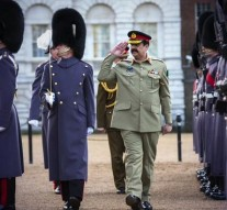 Pakistan Army Chief meets UK PM David Cameron