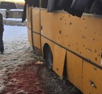 Shell hits bus 'killing 12′ in eastern Ukraine