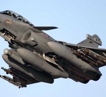 India inks $8.9 billion deal with France to buy 36 Rafale fighter jets