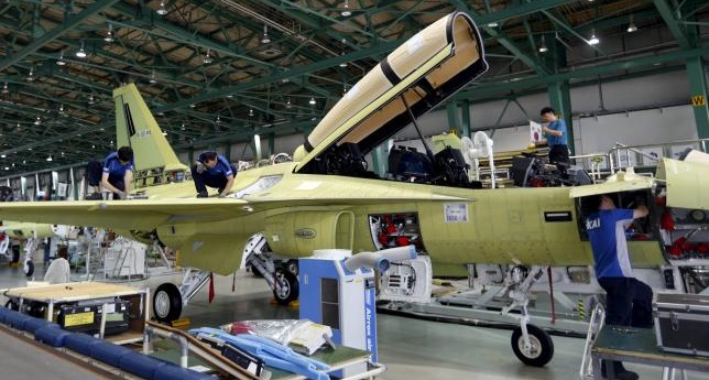 Engineers assemble an FA-50, South Korea's first home-built light fighter, at an assembly plant of the Korea Aerospace Industries (KAI) in Sacheon in this August 14, 2013 file photo.