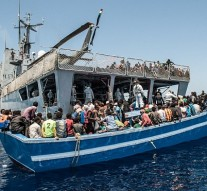 EU holds crisis talks as Italy threatens to block migrant ships