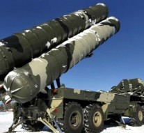 India to buy 5 Russian S-400 air defense missile systems