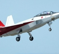 Japan's X-2 stealth fighter makes first flight
