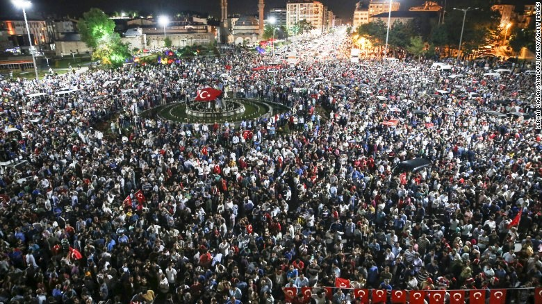 Citizens in Suvas rush to teh streets during the chaotic coup attempt in Turkey.