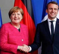 Macron and Merkel vow to strengthen European Union