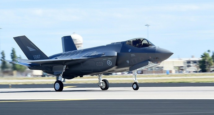First F-35 fighter jets arrive in Norway