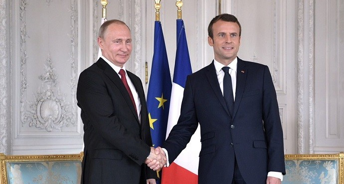 France signs €1bn contracts for direct investment in Russia