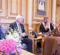 US senators discuss Syria plan with Saudi leaders