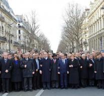 Conservative Jewish newspaper edits Angela Merkel out of Paris march