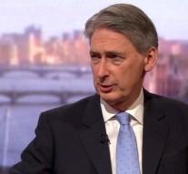 UK Foreign Secretary denounces military intervention in Libya