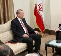 Turkish President Erdogan meets Iranian leadership, to discuss ISIS & Yemen Crisis