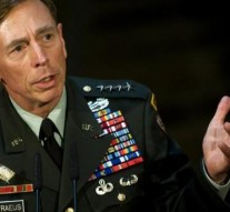 Ex-CIA chief Petraeus gets probation, $100,000 fine over classified breach