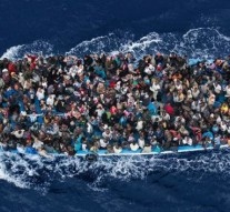 Hundreds of migrants feared dead in shipwreck off Libya