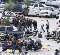Gun battle in Texas leaves 9 dead, 18 injured. Police arrests 170 people