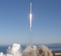 SpaceX rocket explodes 2 minutes after launch
