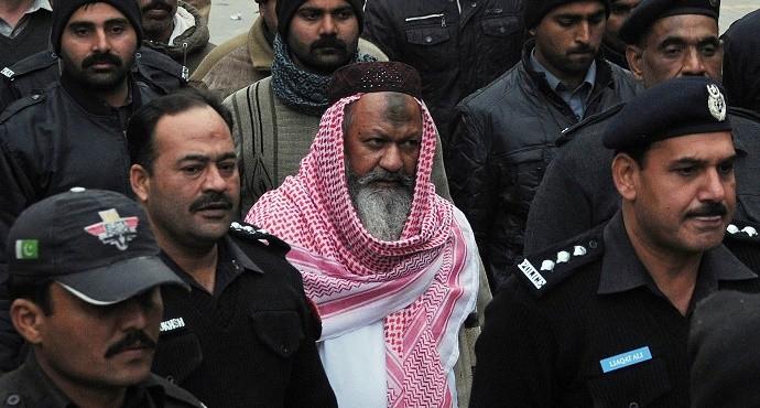 Pakistan police kills militant leader, 13 others of Lashkar-e-Jhangvi