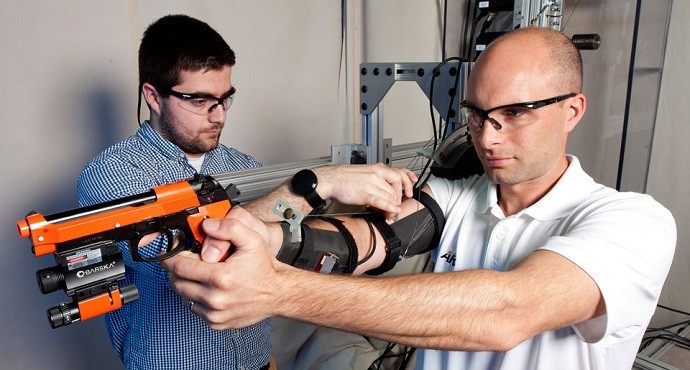 U.S. Army testing exoskeleton arm to improve shooting accuracy