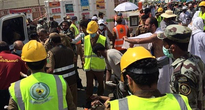 Mecca stampede kills at least 700 pilgrims; injures more than 800