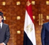 Egypt signs deal with France to buy two warships