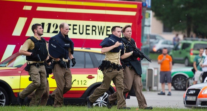 At least 9 dead and several injured in Munich mall shooting