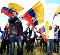Historic deal, cease-fire ends Colombia's 52-year war