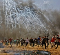 At least 60 dead and 2,200 wounded in Gaza in deadliest day in years