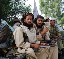 Afghan government frees 490 Taliban prisoners