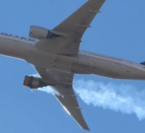 US plane suffers engine failure, scatters debris over Denver