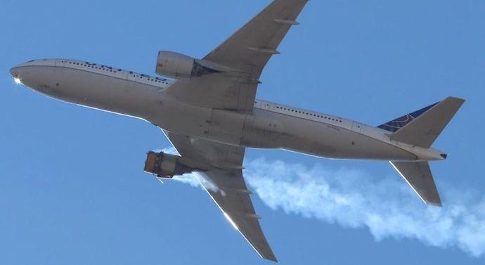 US plane suffers engine failure, scatters debris over Denver